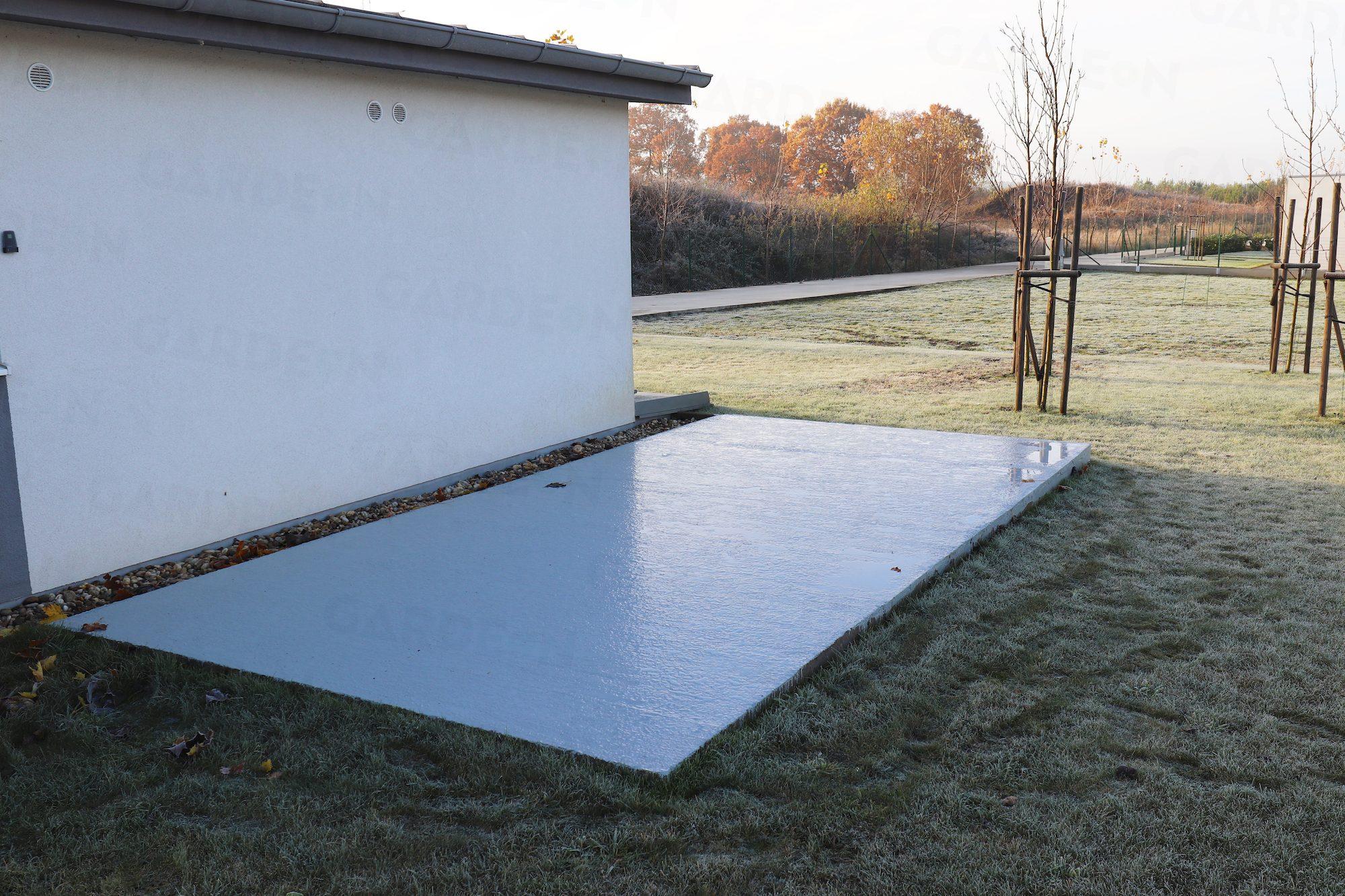 Das Fundament für die Montage eines Bauwerkes von GARDEON