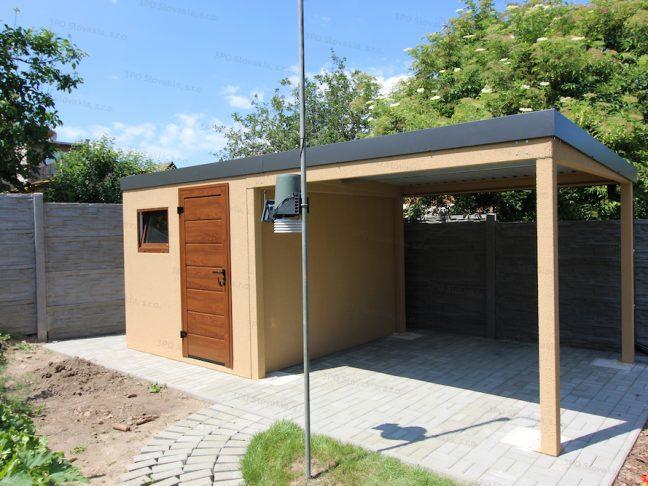 Ein Gartenhaus in beige mit Überdachung an seiner rechten Seite und Flachdach