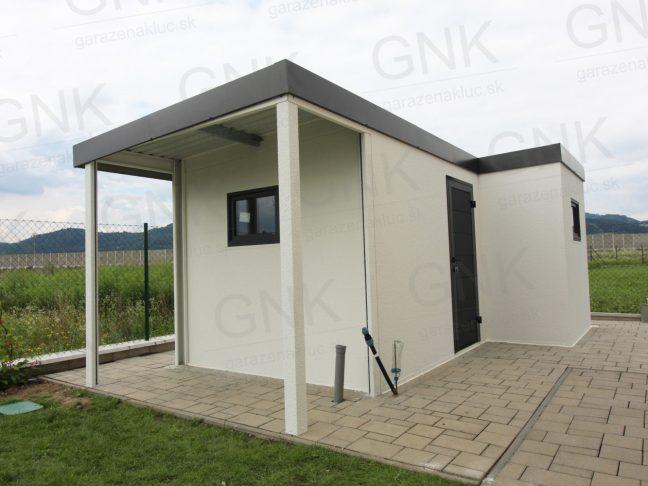 Ein atypisches modernes Gartenhaus mit Überdachung in L-Form