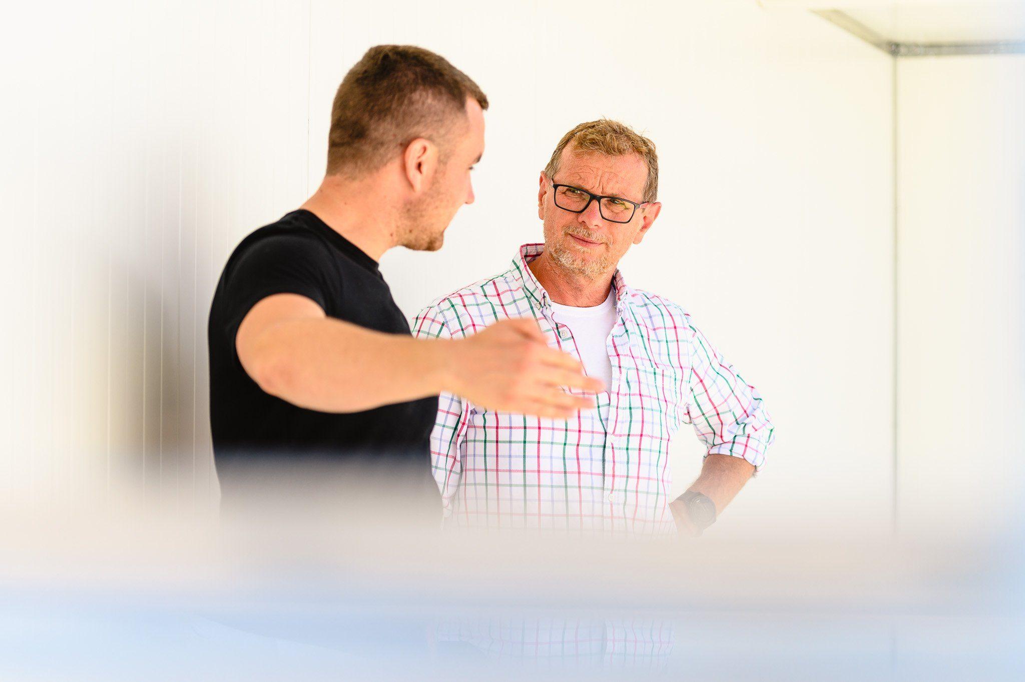 Der Geschäftsführer mit dem Herrn Vostinar